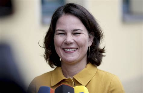 Born 15 december 1980) is a german politician. Baerbock - Annalena Baerbock Mdb Grune Im Bundestag : Für die schwachen umfragewerte der dürften ...