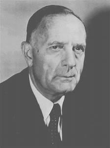 Edwin Powell Hubble (1889 - 1953) - Find A Grave Memorial