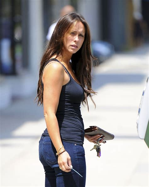 foto de JENNIFER LOVE HEWITT in Tight Jeans Out and About in Los