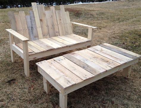 fabriquer canapé palette fabriquer un banc de jardin en bois myqto com