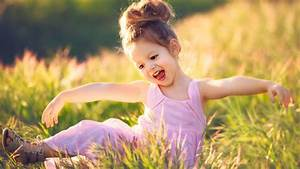 Happy Girl In Meadow Wallpapers - 1920x1080 - 458247