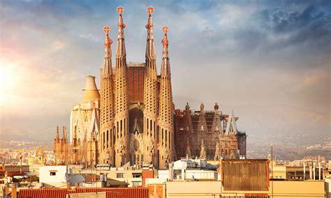 la sagrada familia el icono de barcelona