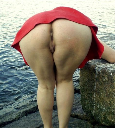 Candid Big Butt Bend Over Ass Voyeur Street Booty