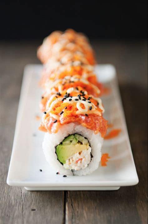 how to make sriracha mayo volcano roll sushi recipe dishmaps
