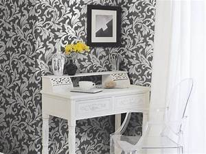 Allure Acanthus Trail Ivory / Charcoal Wallpaper by Rasch ...