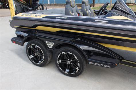 Wheels On Boat Trailer by Bass Boat Trailer Wheels Www Topsimages