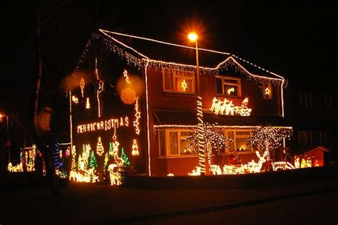 do icicle christmas lights use much power how much does it cost to power your lights wired