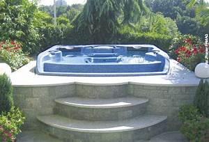 Sprudelspass im garten whirlpool zu hausede for Whirlpool garten mit große pflanzkübel beton