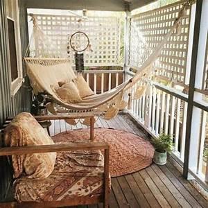 hangematte auf dem balkon urlaub zu hause archzinenet With balkon teppich mit ausgefallene tapeten für zu hause