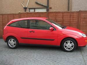Ford Focus 3 : ford focus 1 6 zetec 3 door cardiff lgt car sales ~ Nature-et-papiers.com Idées de Décoration