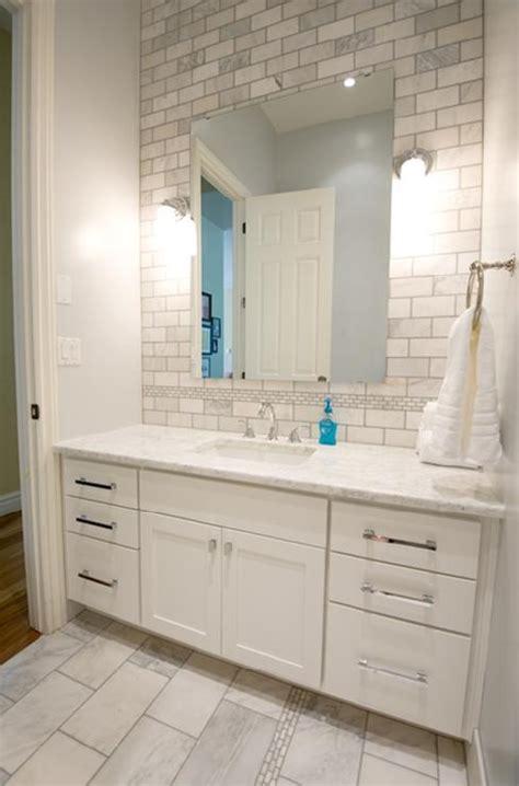 love  idea  tile backsplash   bathroom