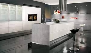 Weisse Hochglanz Küche : design einbauk che norina 9917 weiss hochglanz lack k chenquelle ~ Frokenaadalensverden.com Haus und Dekorationen