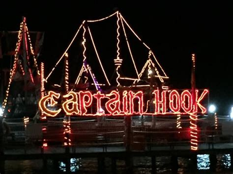 Barco Pirata Hook Cancun by End Of The Night Picture Of Captain Hook Barco Pirata