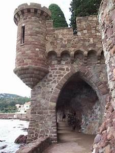 Mandelieu La Napoule : 70 best visite de mandelieu la napoule images on pinterest castles chateaus and provence ~ Medecine-chirurgie-esthetiques.com Avis de Voitures