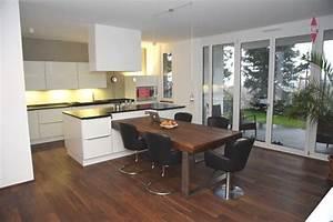 Küche Mit Integriertem Tisch : kochinsel mit tisch ~ Bigdaddyawards.com Haus und Dekorationen