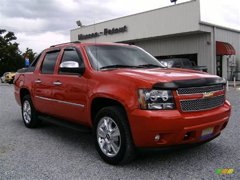 2009 Chevrolet Avalanche  Information And Photos Momentcar