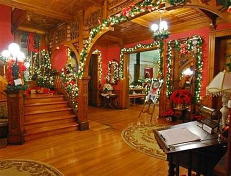 seiberling mansion front lobby area decorated