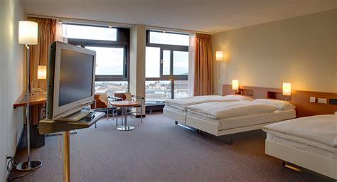 dans chambre d hotel etes vous prêt à partager votre chambre d hôtel avec un