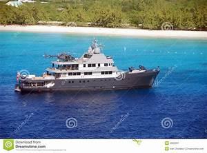 Hélicoptère De Luxe : yacht de luxe avec l 39 h licopt re photographie stock libre de droits image 4602307 ~ Medecine-chirurgie-esthetiques.com Avis de Voitures