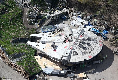 Star Wars VIII photographs reveal the Millennium Falcon ...