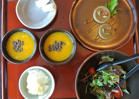food buddhist temple zen lunch course korean restaurant seoul insadong monks