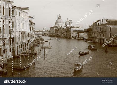 Venice October 28 Shot Sepia Couple Stock Photo 50749603