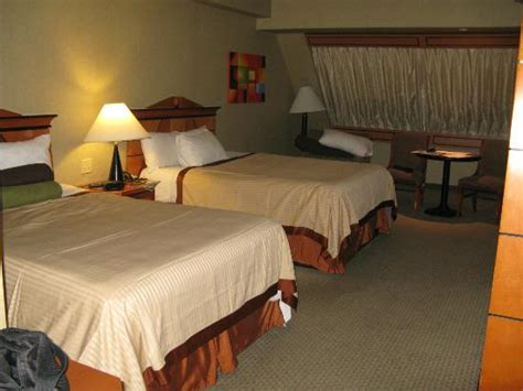 chambre hotel las vegas chambre dans la pyramide picture of luxor las vegas las