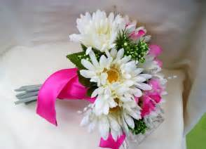 flowers for wedding bouquets most popular wedding flowers flowers magazine