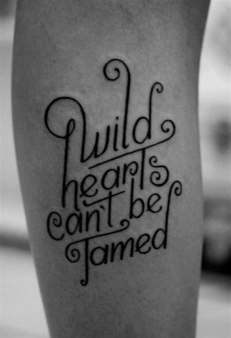 35 Ideen Für Tattoo Schriften, Sprüche Und Schriftarten