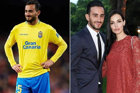 Soccer's Hottest Couples With Breathtaking WAGs As Famous ...