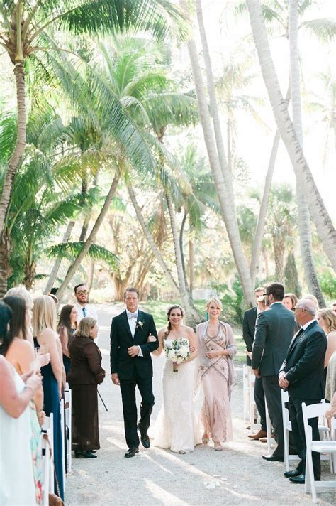 spring chic florida wedding   bonnet house modwedding