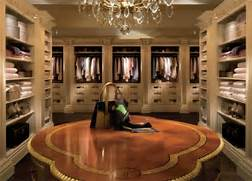 Amazing Modern Walk In Closet Huge Walk In Closets However Not All Of Them Have Amazing Over The Top