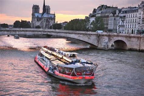 Bateau Mouche Paris Tickets by Bateaux Mouches Louvre Museum Offers Discounts Cheap