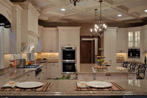 Elegant Long Island Kitchen Design For A Large Scale Room