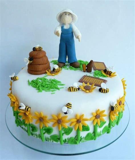 abeille pate a sucre g 226 teau quot apiculteur et ses abeilles quot en p 226 te 224 sucre atelier des gourmandises