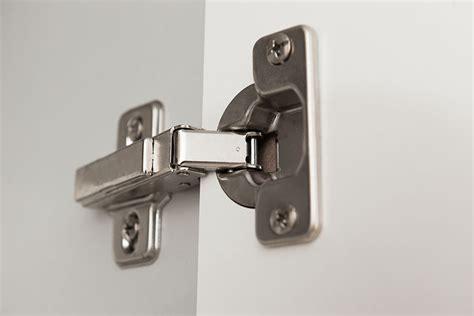 kitchen cabinet hinges types k 246 kshandtag och beslag f 246 r k 246 ksluckor och k 246 ksl 229 dor 5493