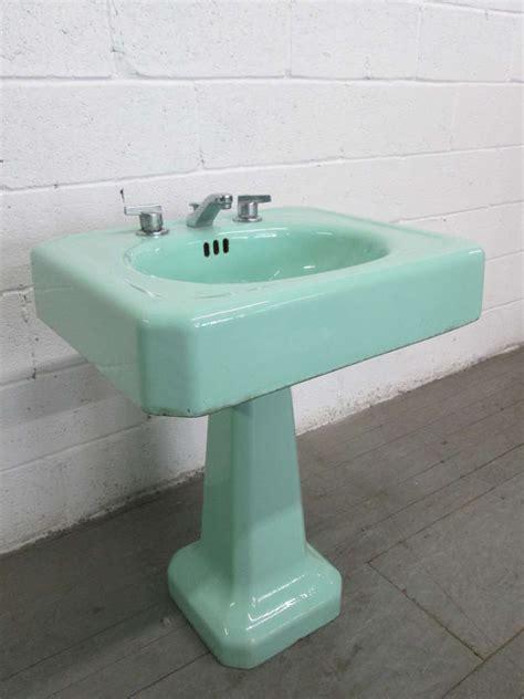 10 Classic Pieces Vintage Pedestal Sink Homeideasblogm