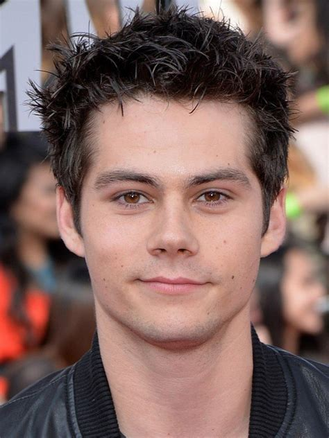 dylan o brien eyes compare dylan o brien s height weight hair eyes color