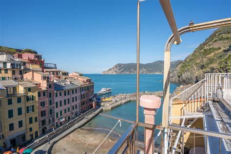 Room Martina Vernazza Cinque Terre Liguria Italy