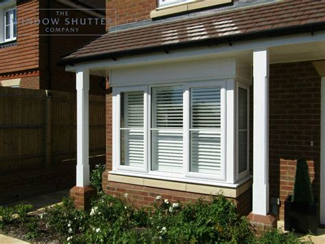 bay window shutters custom   fit  window