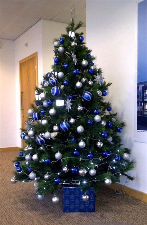 blue christmas tree decorations ideas beauty silver