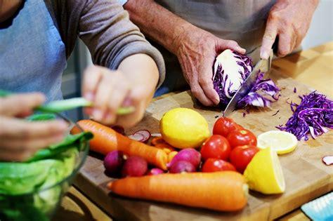 Ēšanas ieradumi senioru sirds veselības uzlabošanai