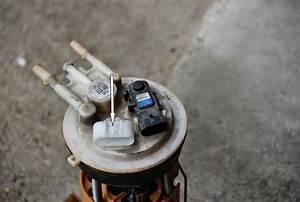 Simon U0026 39 S Blog  Replacing Gmc Yukon Xl 2001 Fuel Pump