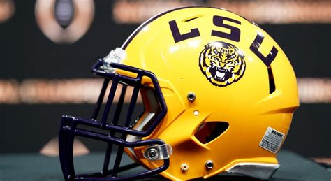 LSU grabs ninth straight win over Vanderbilt, 41-7 – KLAX-TV