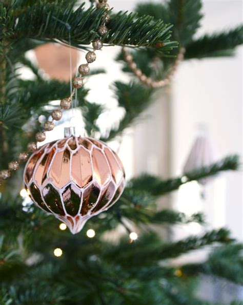 chic copper christmas decor ideas digsdigs