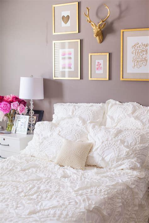 reveal styling  bedroom   nebraska apartment