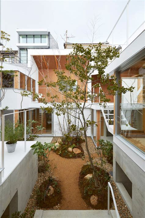 modern japanese house with courtyard wins at indoor