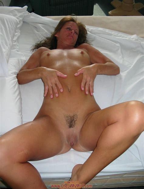 Horny amateur milf pichunter
