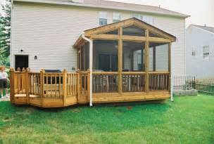Mid Atlantic Deck i want a screened in sitting area like this with a built