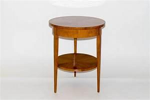 Kleiner Runder Tisch : kleiner runder beistelltisch vintage tische kleiner runder tisch beistelltisch vintage ein ~ Eleganceandgraceweddings.com Haus und Dekorationen